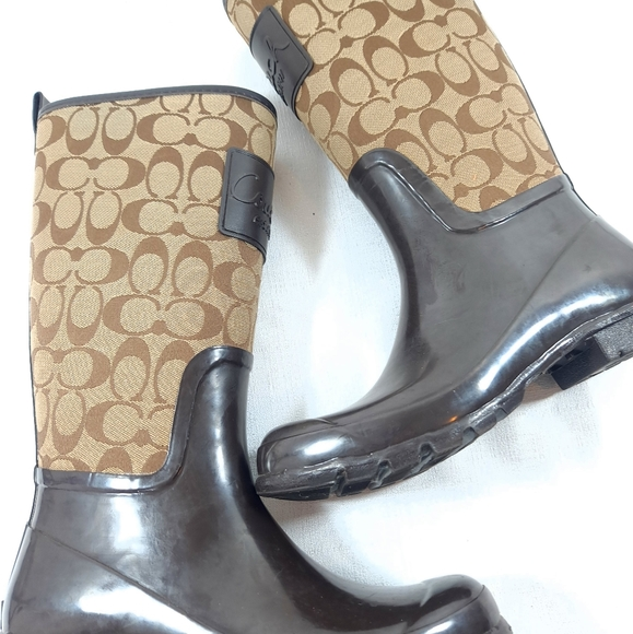 Coach Pearl Rain Boots Goloshes Spring Shoe Size 8